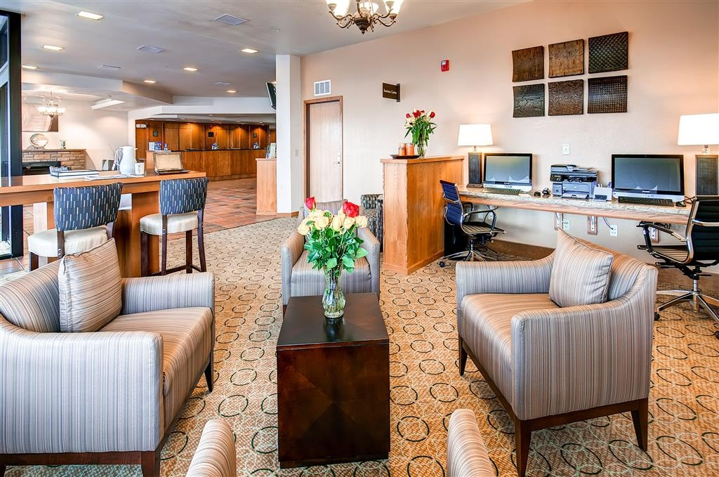 Best Western Plus Plaza Hotel - Business Center
