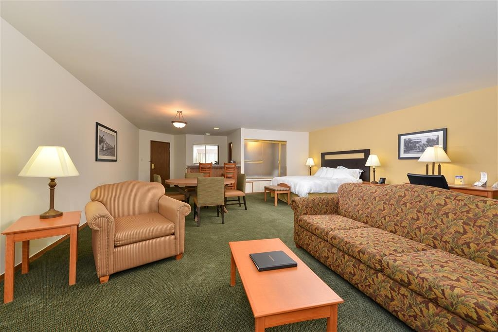 Best Western Plus Plaza Hotel - Governor's Suite