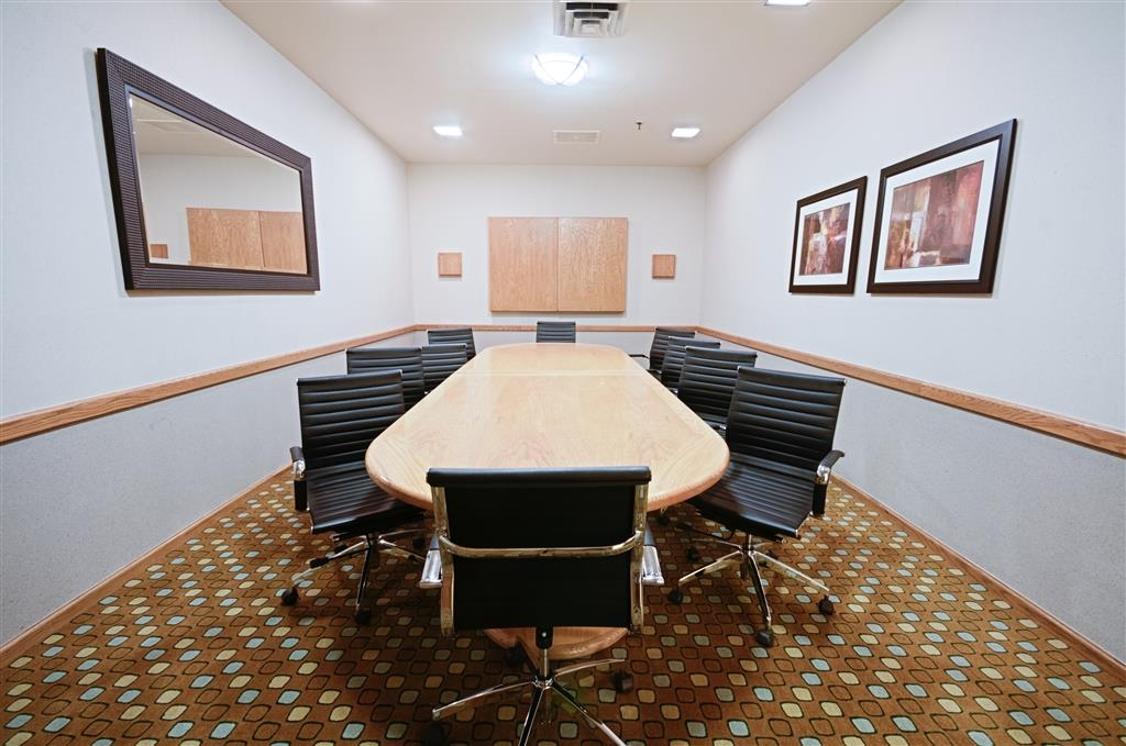 Best Western Plus Plaza Hotel - High Tech Meeting Room