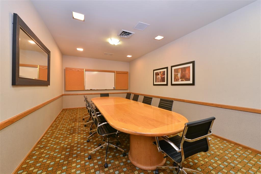 Best Western Plus Plaza Hotel - Board Room