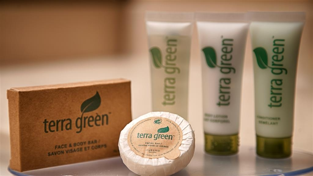 Best Western Plus Plaza Hotel - Guest Bathroom Amenities