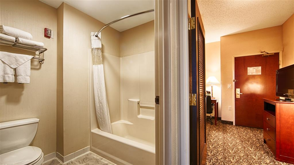 Best Western Plus Louisville Inn & Suites - Salle de bain