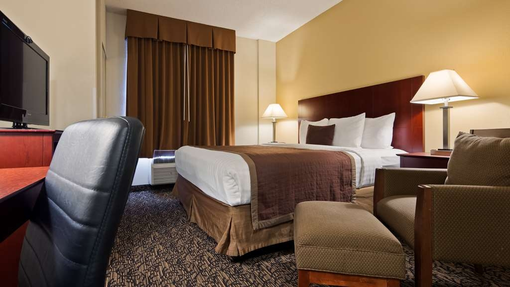 Best Western Plus Louisville Inn & Suites - We offer a variety of king rooms from standard to mobility accessible to suites.