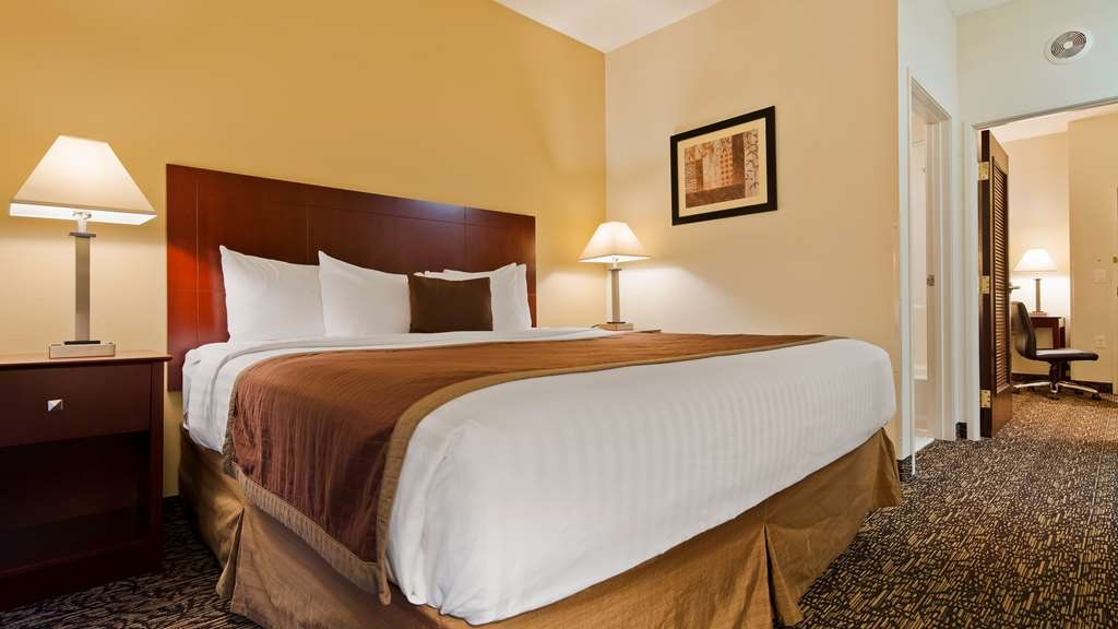 Best Western Plus Louisville Inn & Suites - Suite