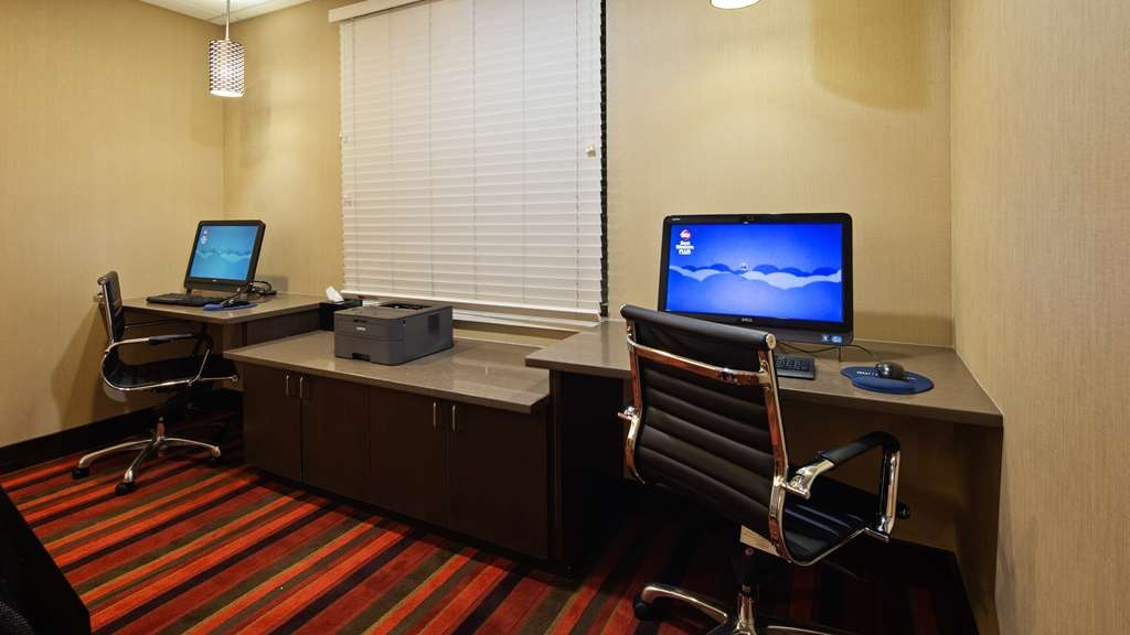 Best Western Plus Denver International Airport Inn & Suites - Geschäft-zentrum