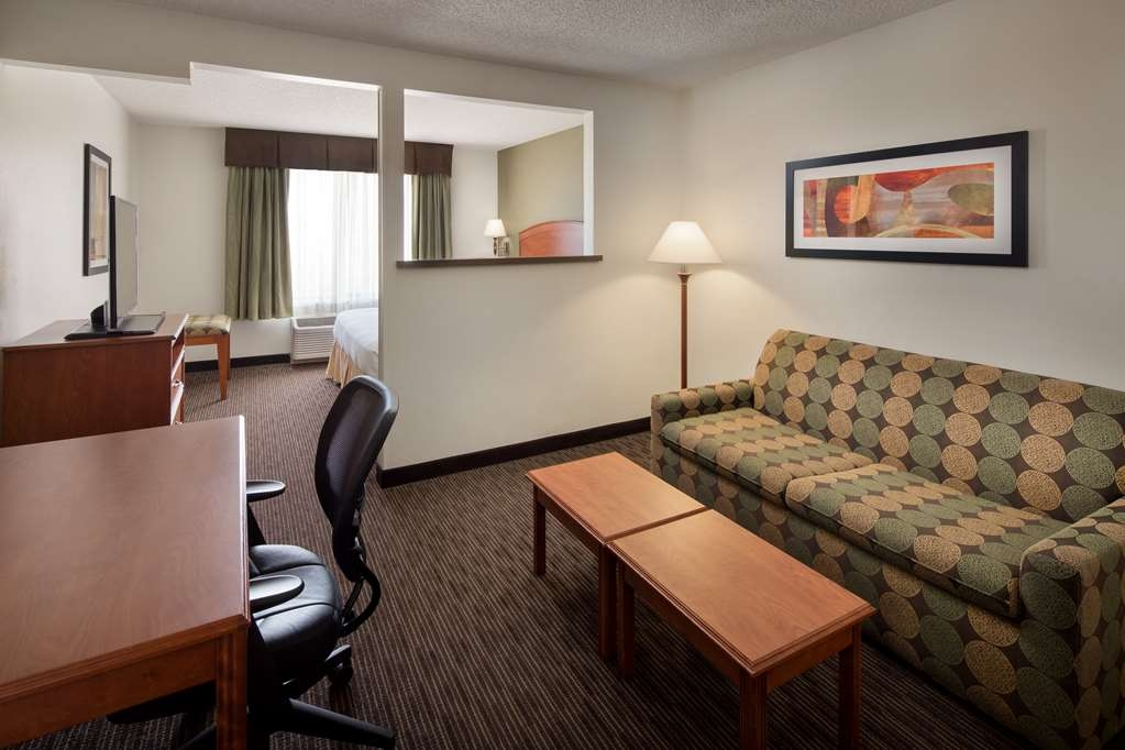 Best Western Plus Denver International Airport Inn & Suites - Suite