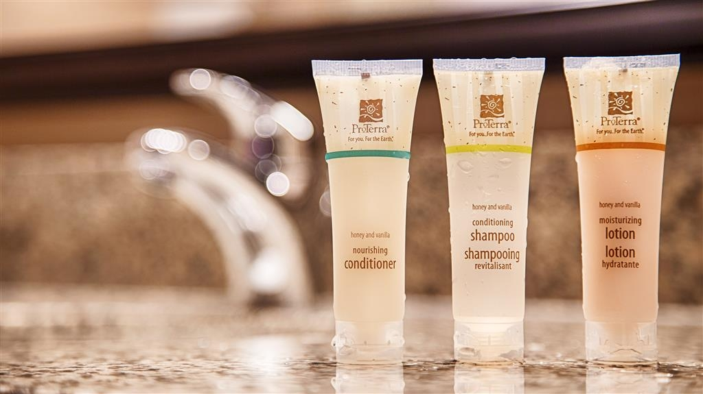Best Western Plus Carousel Inn & Suites - Guest Bathroom Amenities