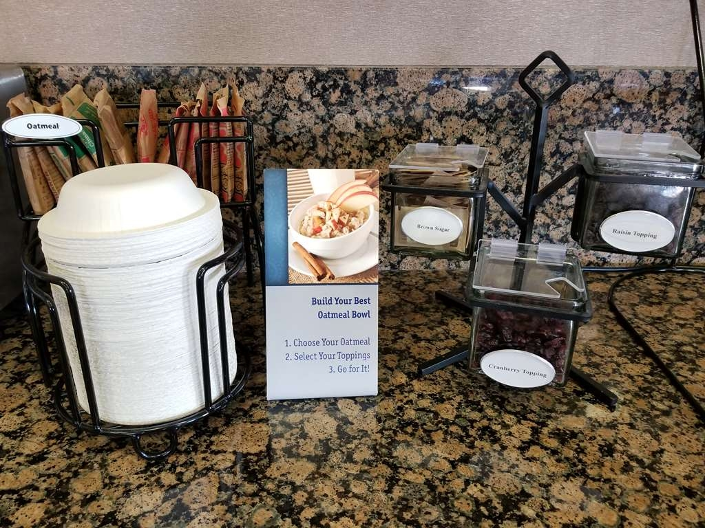 Best Western Plus Carousel Inn & Suites - Create Your Own Oatmeal