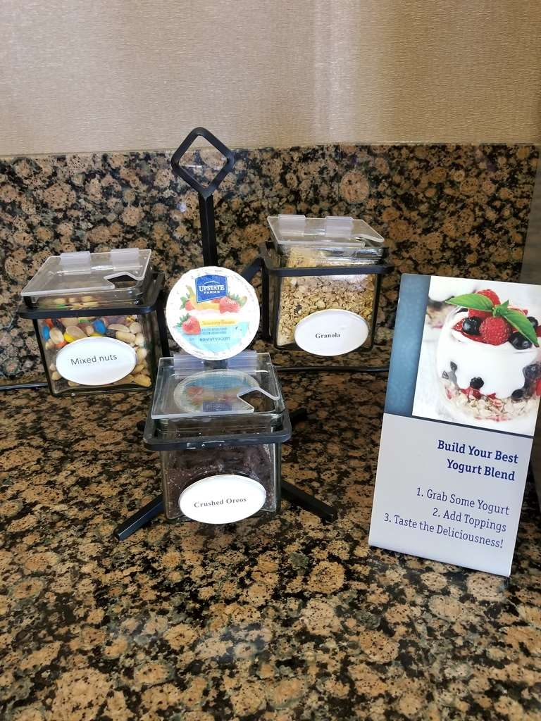 Best Western Plus Carousel Inn & Suites - Add Great Toppings To Your Yogurt