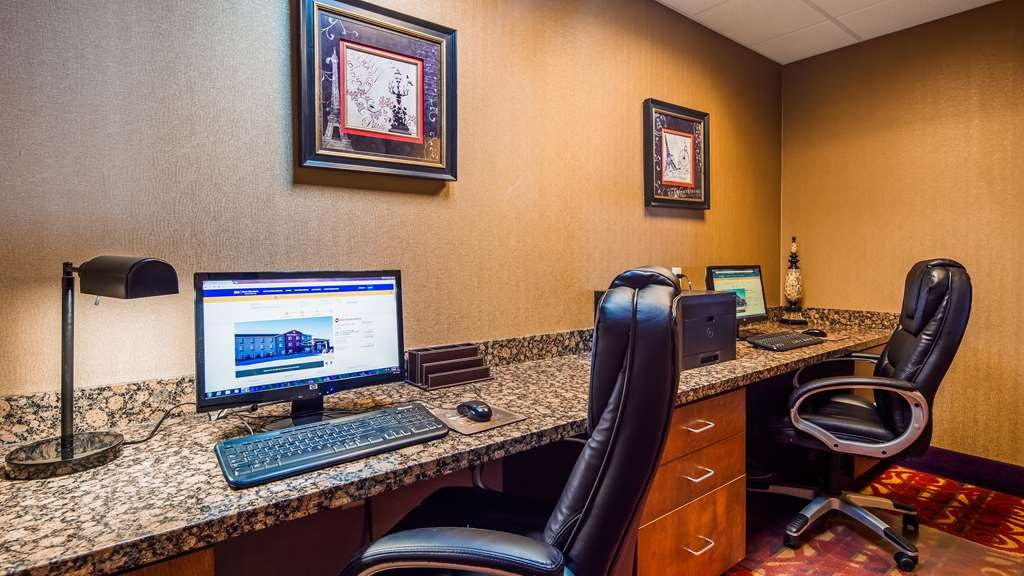 Best Western Plus Carousel Inn & Suites - Business Center
