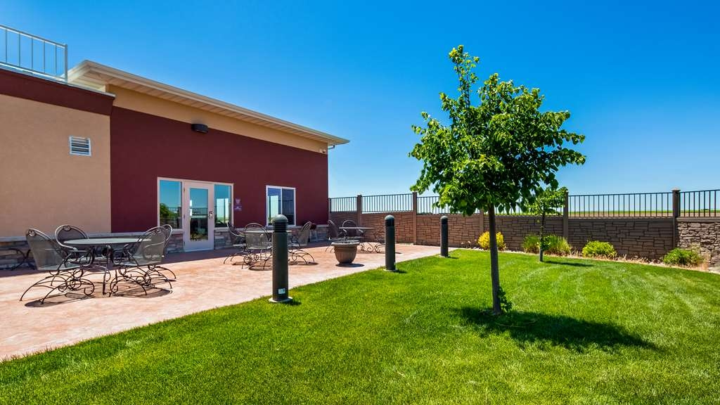 Best Western Plus Carousel Inn & Suites - Patio