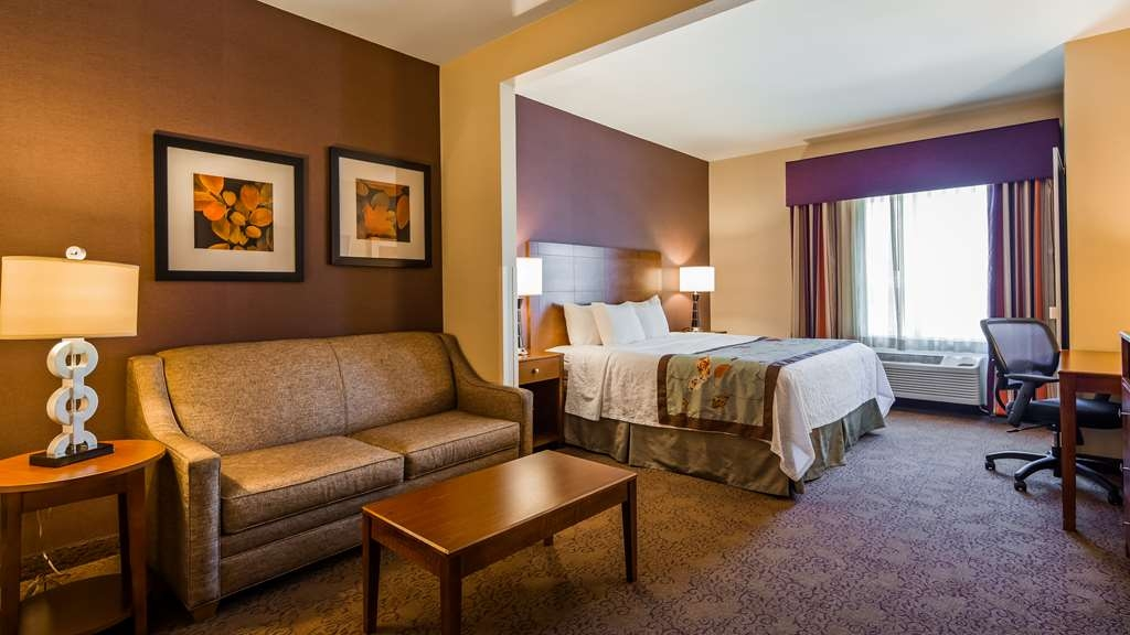 Best Western Plus Carousel Inn & Suites - Single Room King Suite