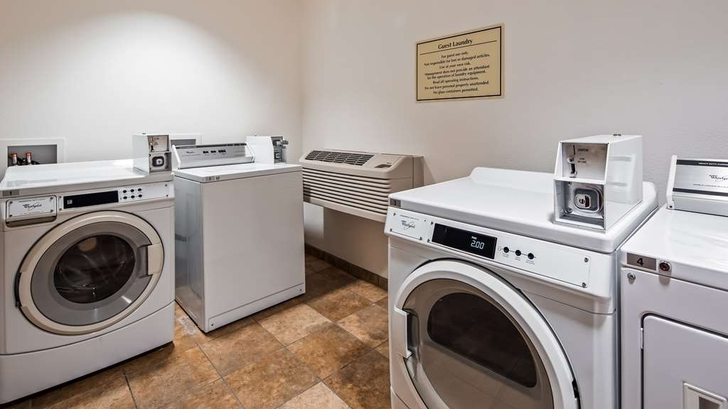 Best Western Plus Carousel Inn & Suites - Laundry Facilities
