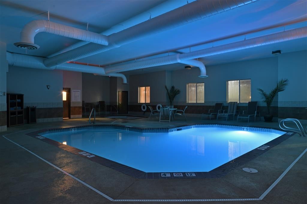 Best Western Canon City - piscina coperta