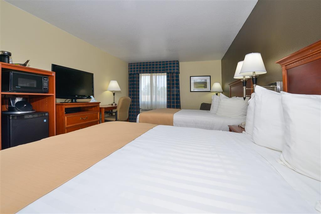 Best Western Canon City - Enjoy all the comforts of home including watching your favorite shows on our 37-inch LCD TVs.