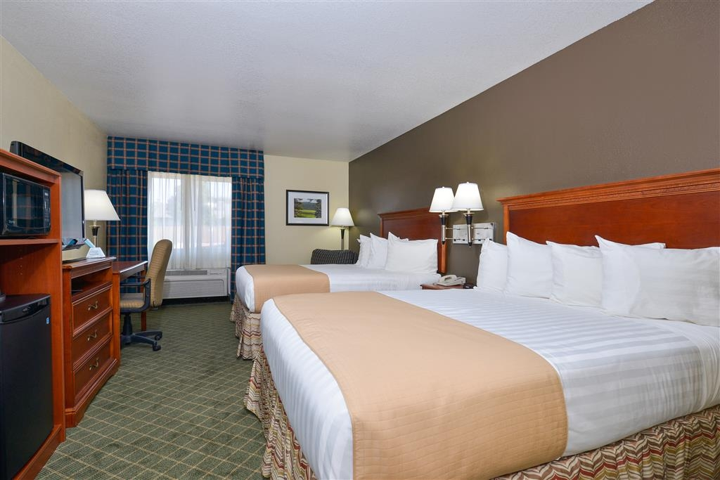 Best Western Canon City - All rooms include a microwave and mini refrigerator for your comfort, including this two queen room.