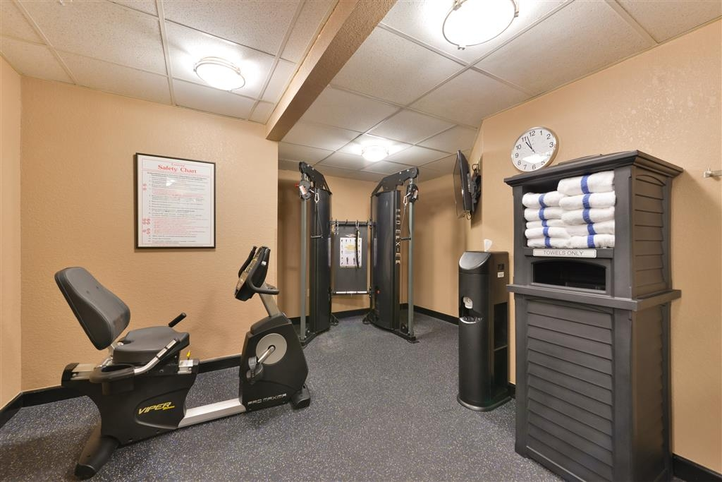 Best Western Plus Peak Vista Inn & Suites - Our onsite fitness center allows you to keep up with your workout routine.