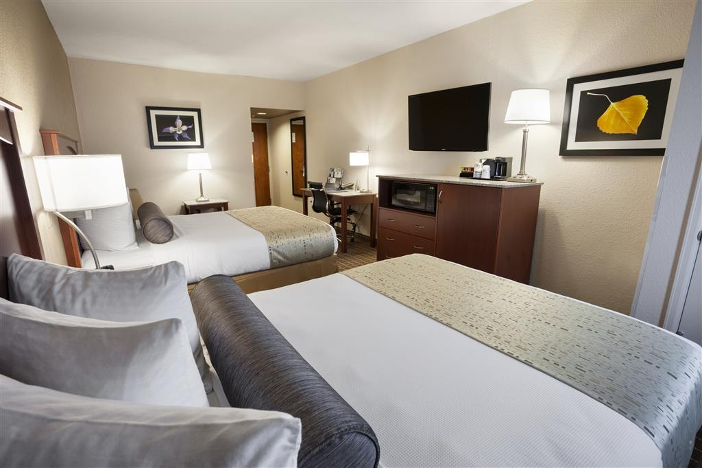 Best Western Plus Peak Vista Inn & Suites - Two Queen Bed Guest Room