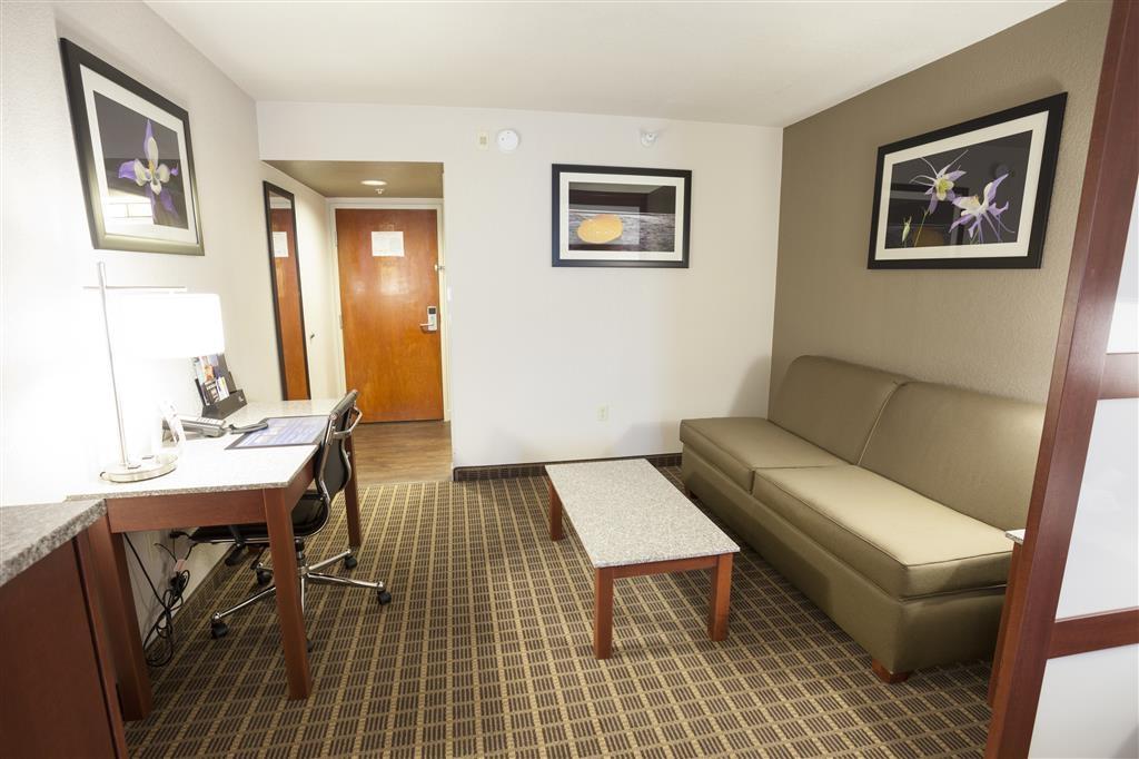 Best Western Plus Peak Vista Inn & Suites - King Suite