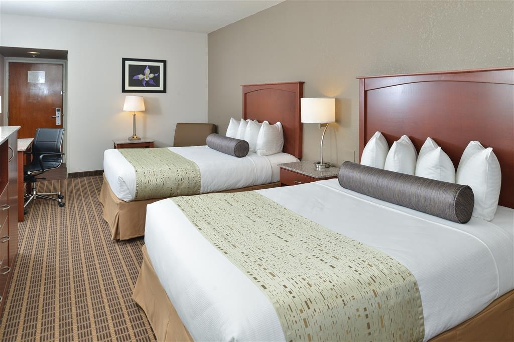 Best Western Plus Peak Vista Inn & Suites - Deluxe Two Queen Bed Guest Room