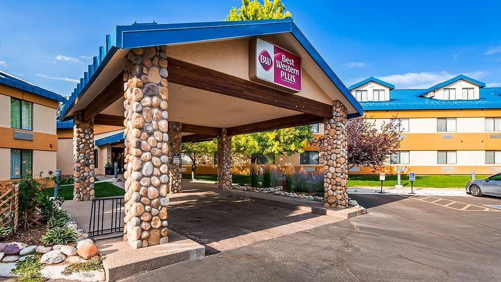 Best Western Plus Eagle Lodge & Suites - Vista exterior