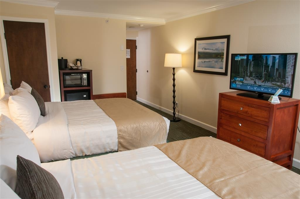 Best Western Plus Eagle Lodge & Suites - Standard Double Queen Bed Guest Room