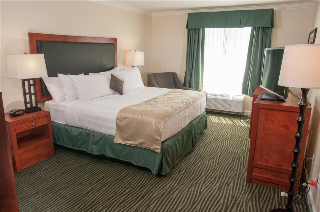 Best Western Plus Eagle Lodge & Suites - Chambre avec lit king size standard
