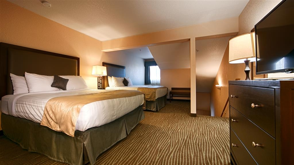Best Western Plus Eagle Lodge & Suites - Multi-level Two Bedroom Family Suite