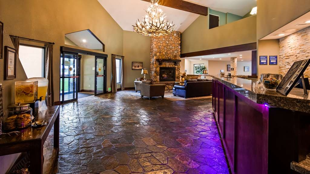 Best Western Plus Eagle Lodge & Suites - Vue du lobby
