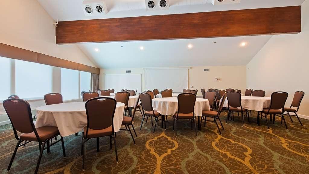 Best Western Plus Eagle Lodge & Suites - Sala de reuniones