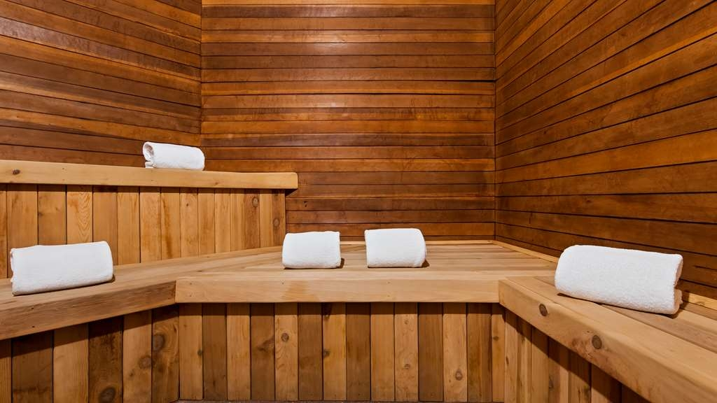 Best Western Plus Eagle Lodge & Suites - Relax in our dry sauna.