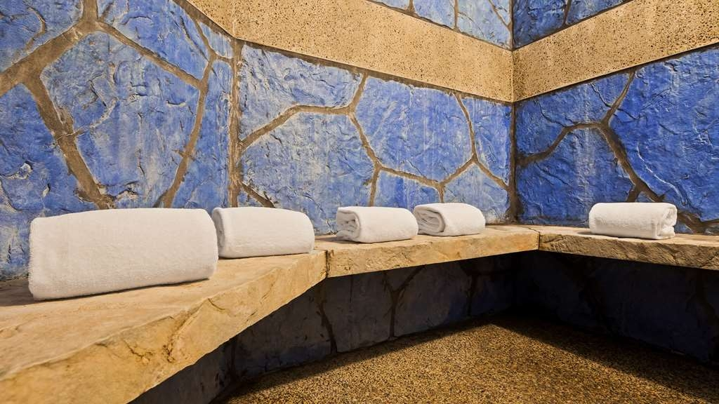 Best Western Plus Eagle Lodge & Suites - Relax and feel rejuvenated in our steam room.