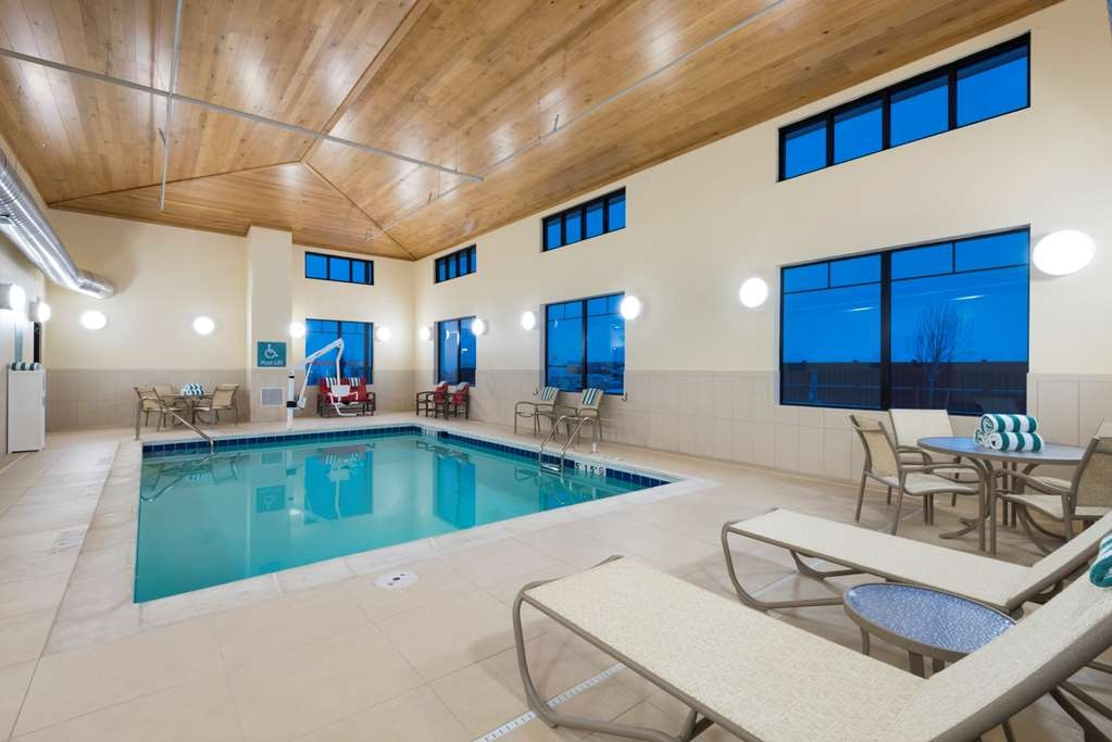 Best Western Plus Hudson Hotel & Suites - Indoor Heated Pool