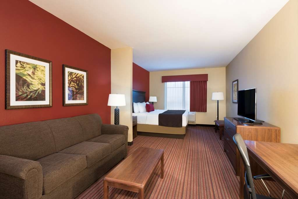 Best Western Plus Hudson Hotel & Suites - King Guest Suite