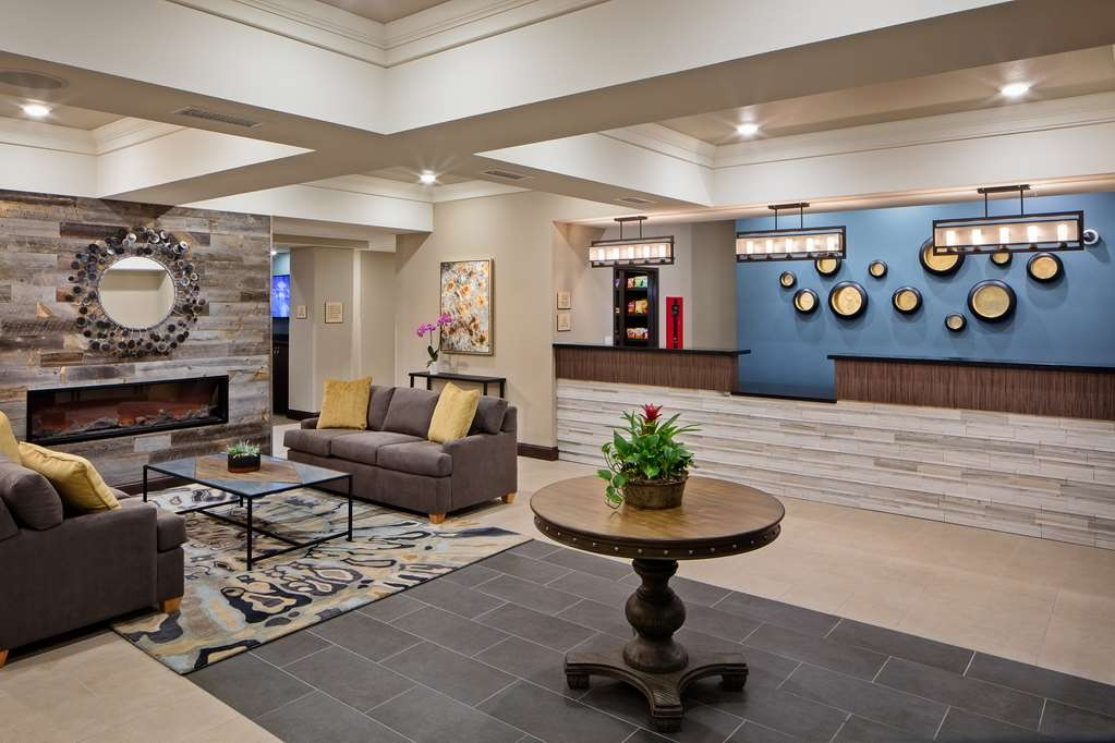 Best Western Plus Overland Inn - reception