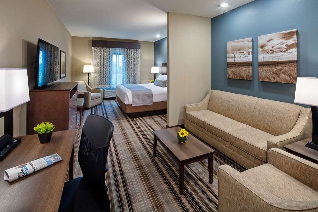 Best Western Plus Overland Inn - Suite
