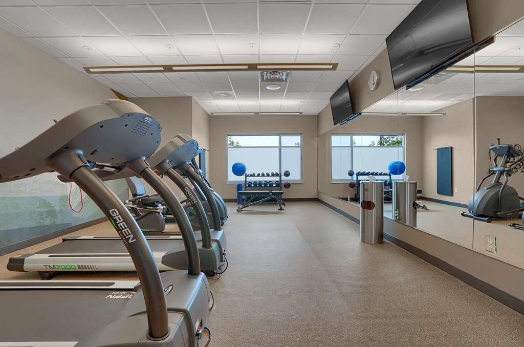 Best Western Plus Executive Residency Fillmore Inn - Stay active in our fitness center with a variety of equipment.