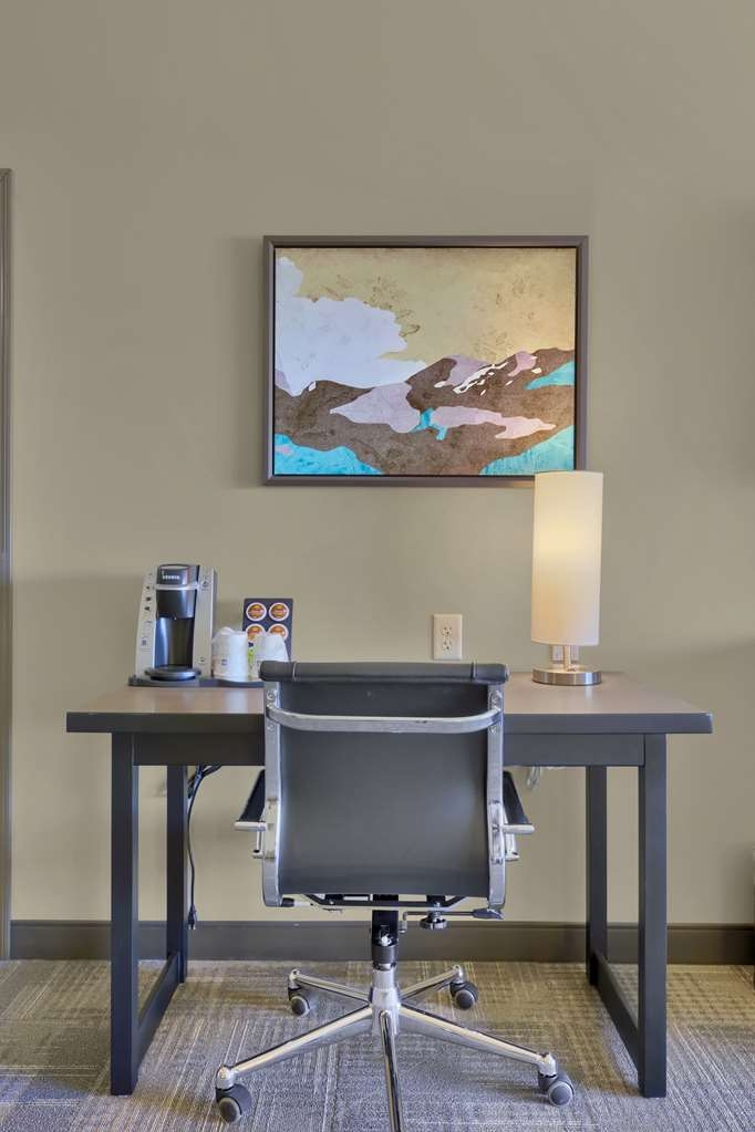 Best Western Plus Executive Residency Fillmore Inn - Stay on top of your work and utilize our large work desk located in our 2 queen mobility accessible bedroom.