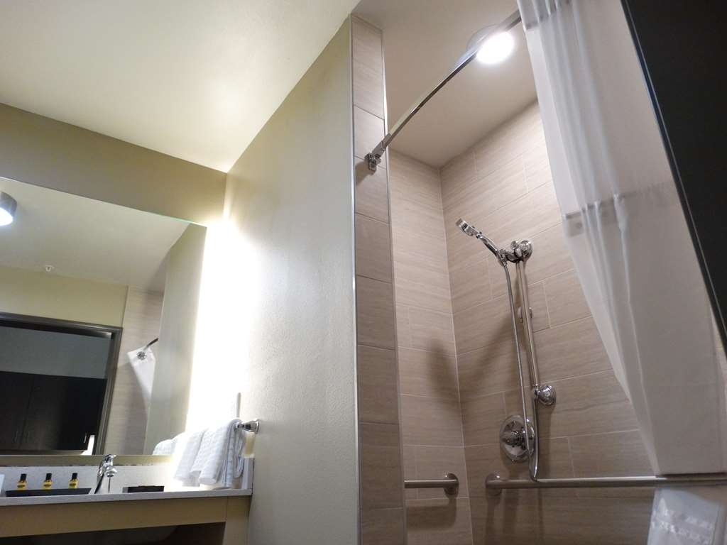 Best Western Plus Executive Residency Fillmore Inn - Chambres / Logements