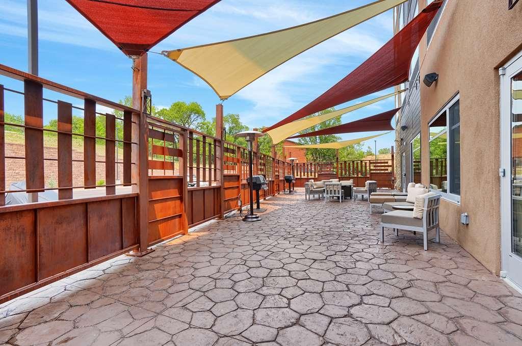 Best Western Plus Executive Residency Fillmore Inn - Facciata dell'albergo