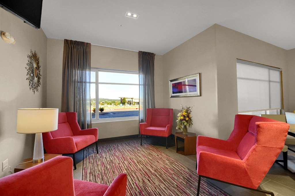 Best Western Plus Executive Residency Fillmore Inn - Hall