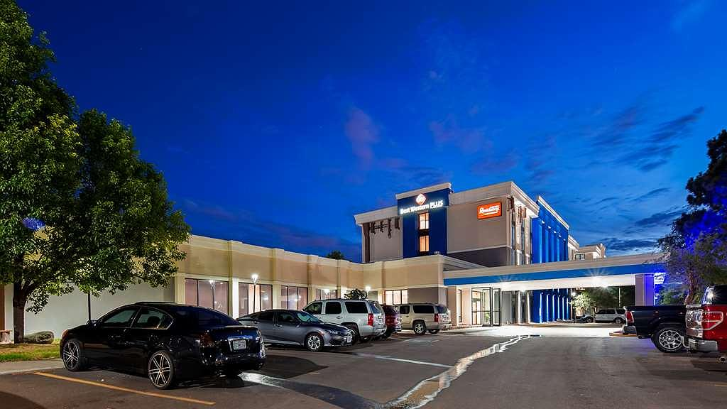 Best Western Plus Executive Residency Denver-Central Park Hotel - Your comfort comes first at the Best Western Plus Executive Residency Denver-Central Park Hotel