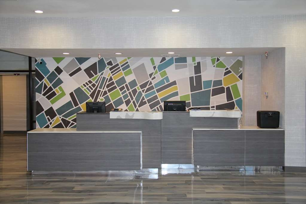 Best Western Plus Denver-Stapleton Hotel - Vue du lobby