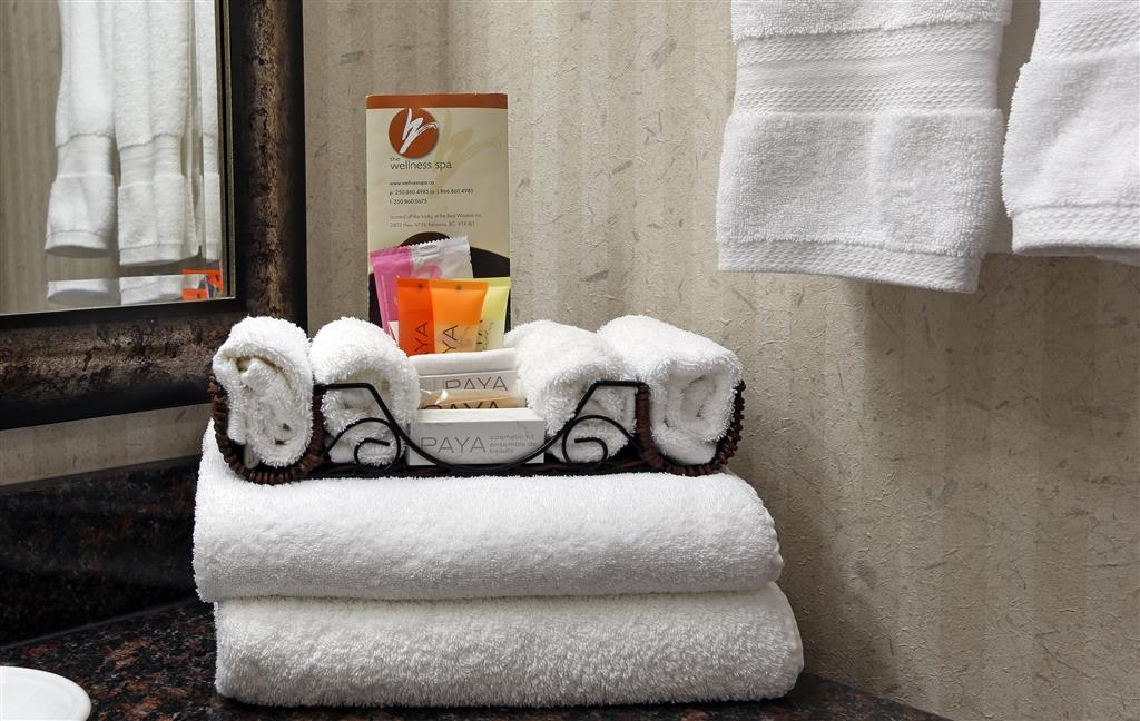 Best Western Plus Kelowna Hotel & Suites - Comfort disponibili in bagno