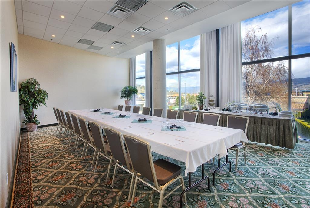 Best Western Plus Kelowna Hotel & Suites - Sala de reuniones