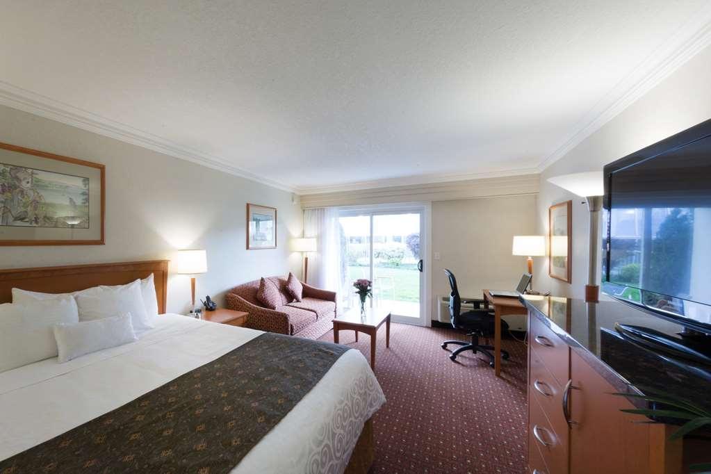Best Western Plus Kelowna Hotel & Suites - Gästezimmer/ Unterkünfte