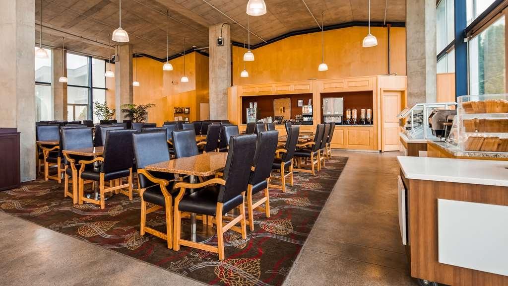 Best Western Plus Kelowna Hotel & Suites - Ristorante / Strutture gastronomiche