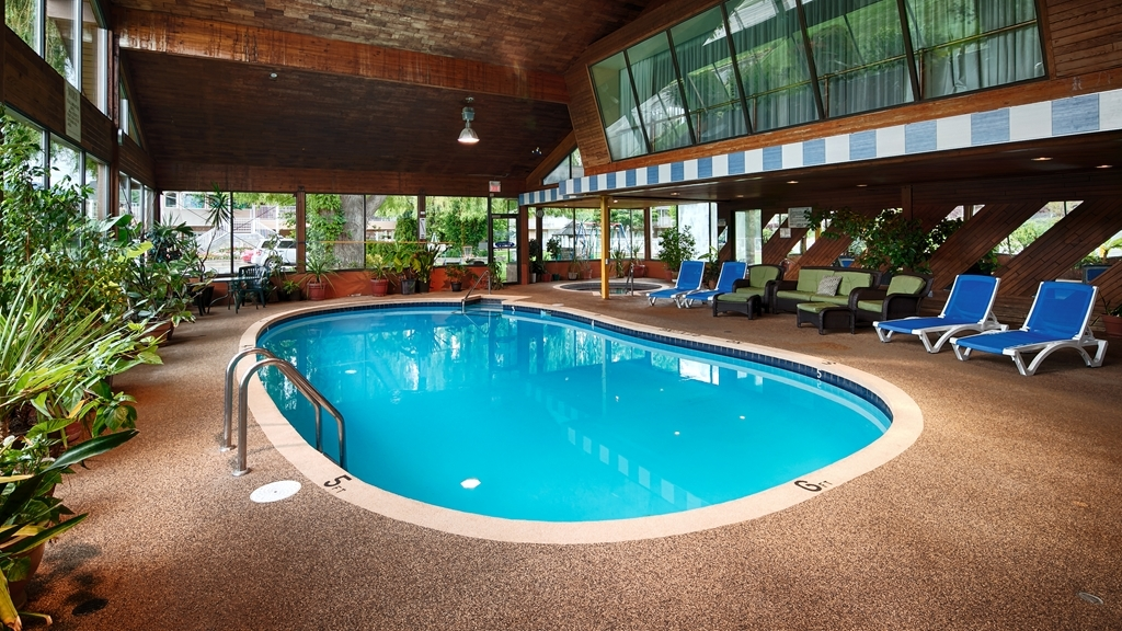 Best Western Inn at Penticton - Stay in shape by swimming laps, cool off with a refreshing dip, or just splash around in our indoor pool.