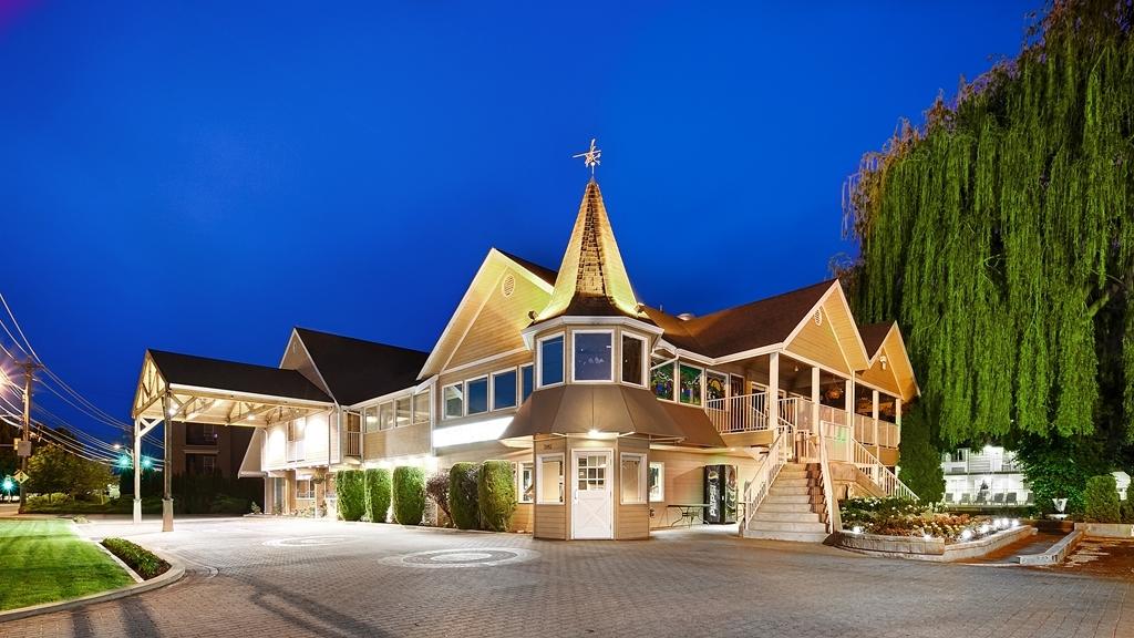 Best Western Inn at Penticton - Außenansicht