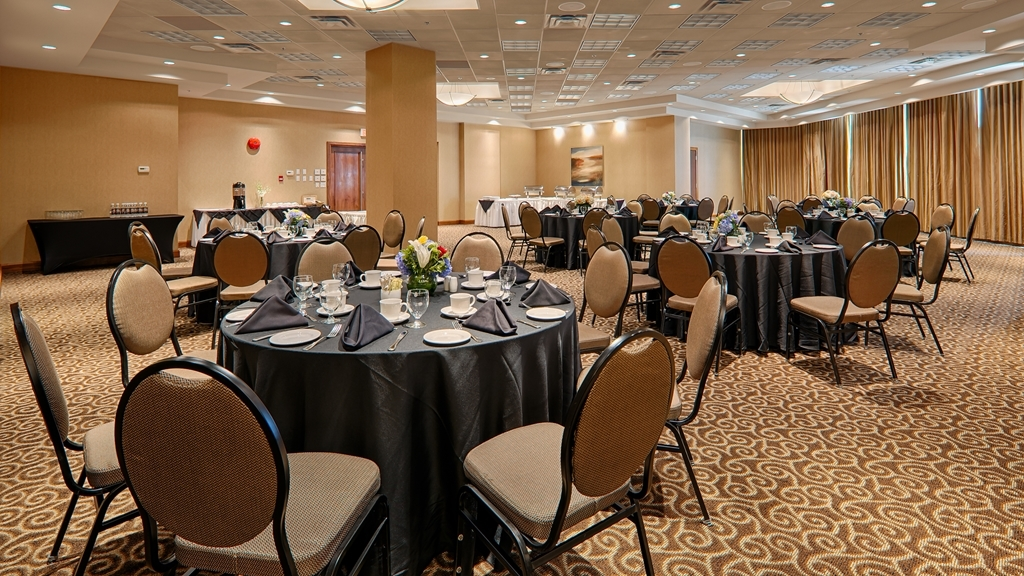Best Western Plus Chateau Granville Hotel & Suites & Conference Ctr. - Our Conference Center is equipped with complimentary high-speed Internet and audio/visual options are available.